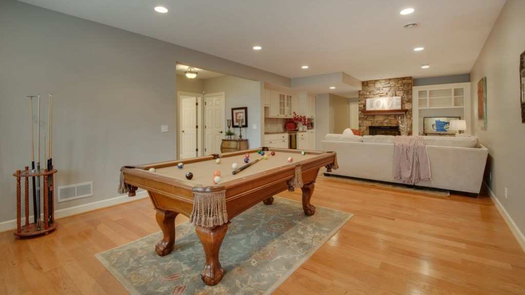 43 rec-room-pool-table.jpg