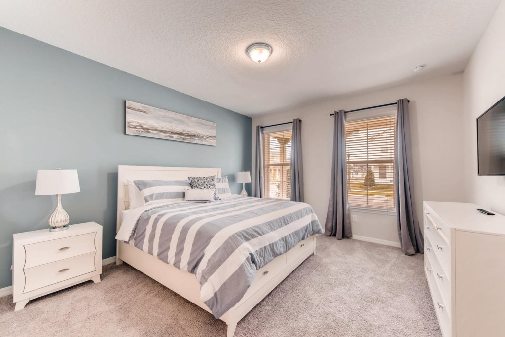 Westside Boulevard Solara-large-013-19-Master Bedroom-1499x1000-72dpi.jpg