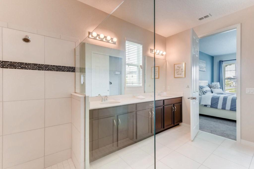 Westside Boulevard Solara-large-016-18-Master Bathroom-1499x1000-72dpi.jpg