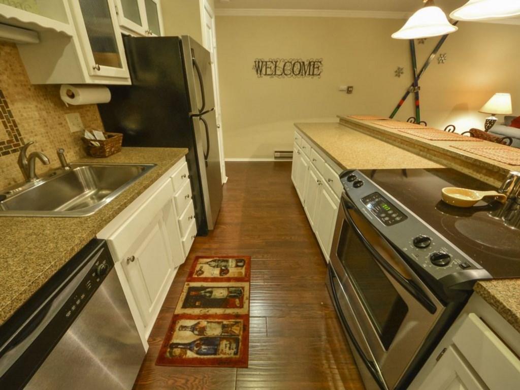 Wren 203-32 Kitchen.jpg