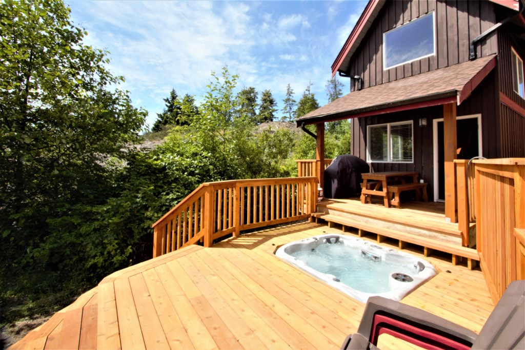 Best Coast Cabin on Spring Cove