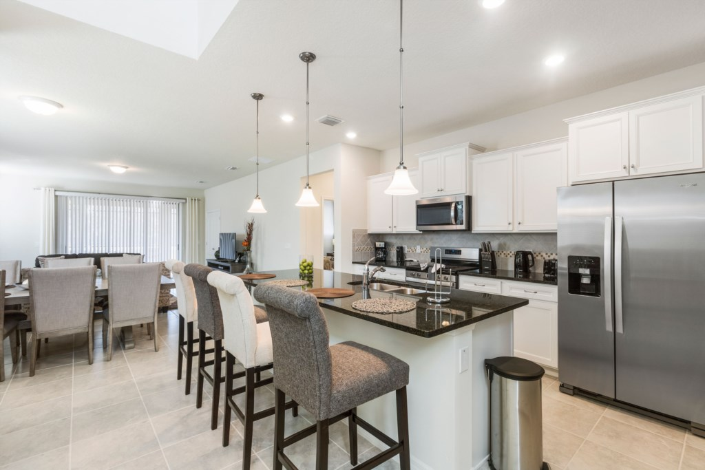 02 Kitchen with stainless steel appliances