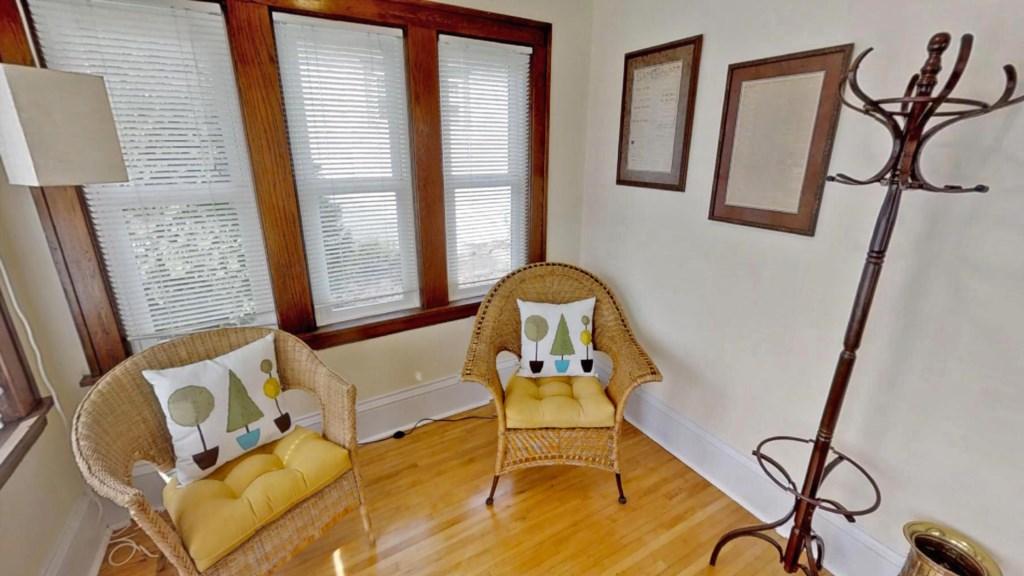 Sitting-room.jpg