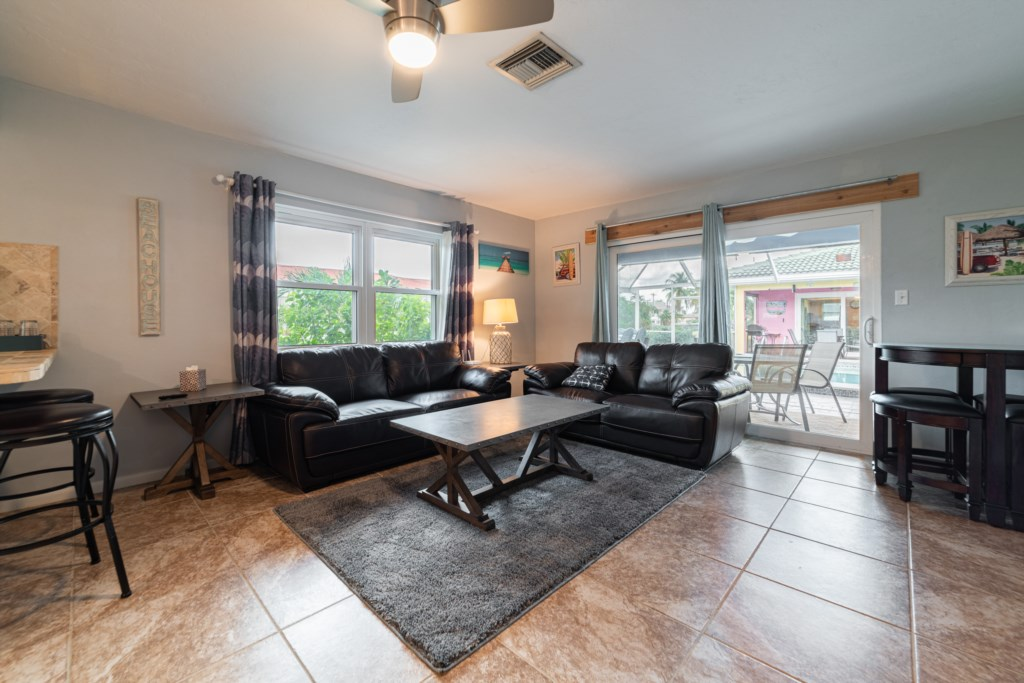 Spacious Floor Plan Great for Groups and Families
