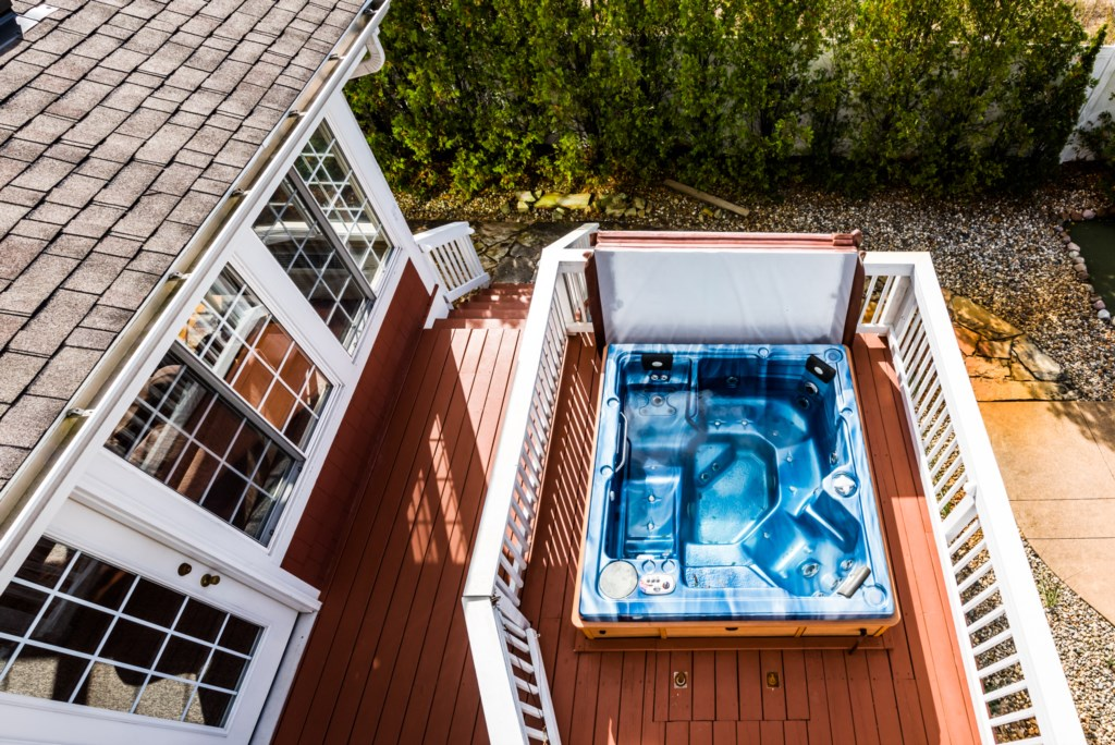 Private Hot Tub!