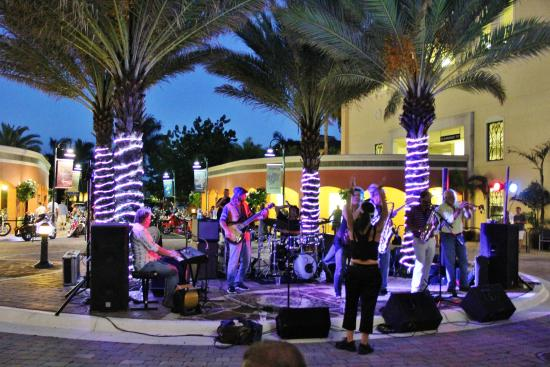 Cape Harbour - Tuesdays live music - Check out waterfront dining/shopping - Fathoms and Rummrunners