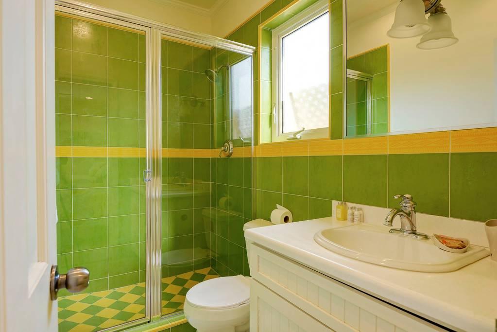 bathroom full double.jpg