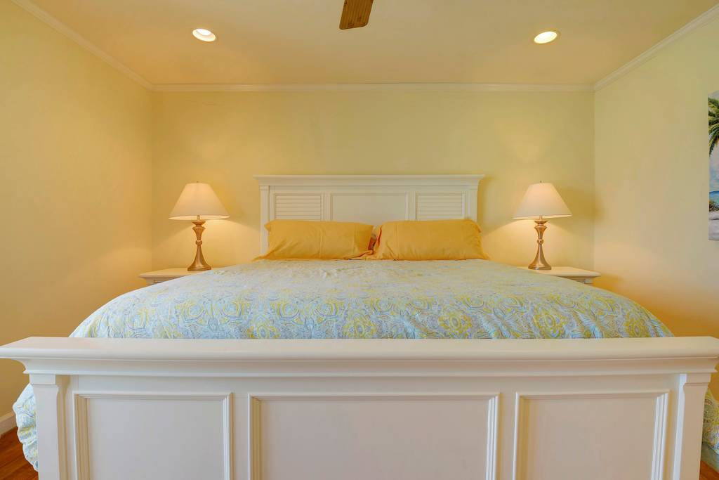 king room yellow view 2.jpg