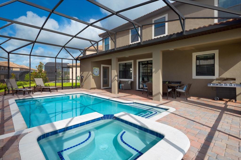 9150SCDCG-exterior-spa-pool-2016-07-18