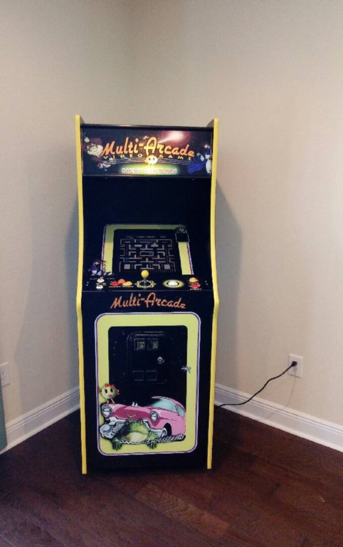 arcade machine resized.jpg