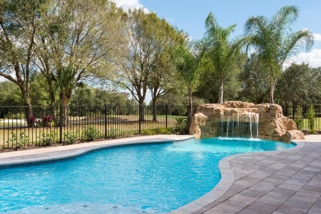 7433GCRR-exterior-pool-2014-02-11