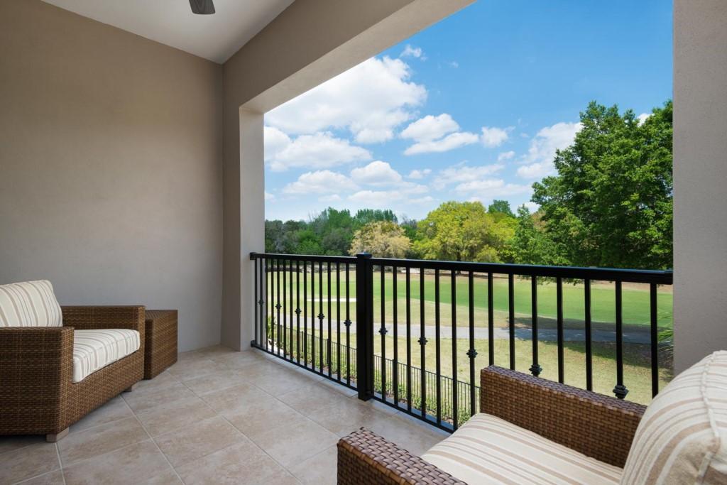 7433GCRR-suite-2-patio-balcony-2014-03-21