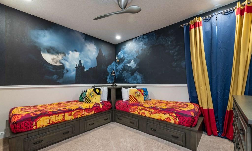 450BUR bed2-1.jpeg