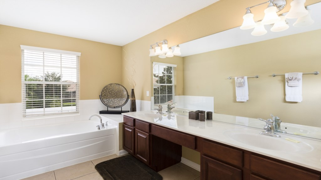 Master Bathroom 1-1.jpg