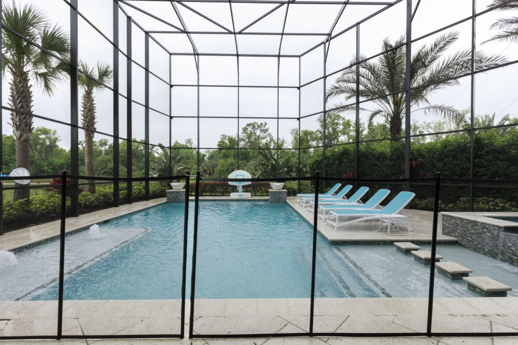 PoolFence.jpg Reunion Resort Disney Vacation Homes.jpg