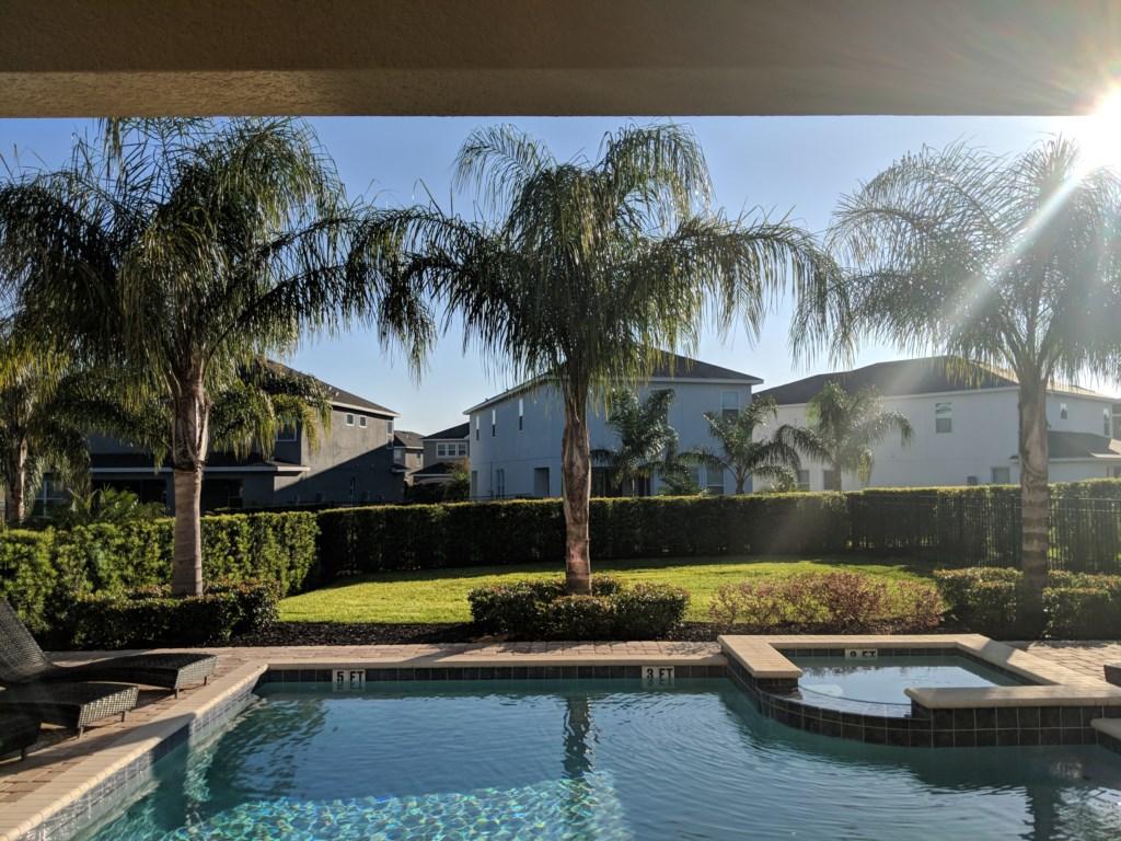 ec013 backyard2.jpg