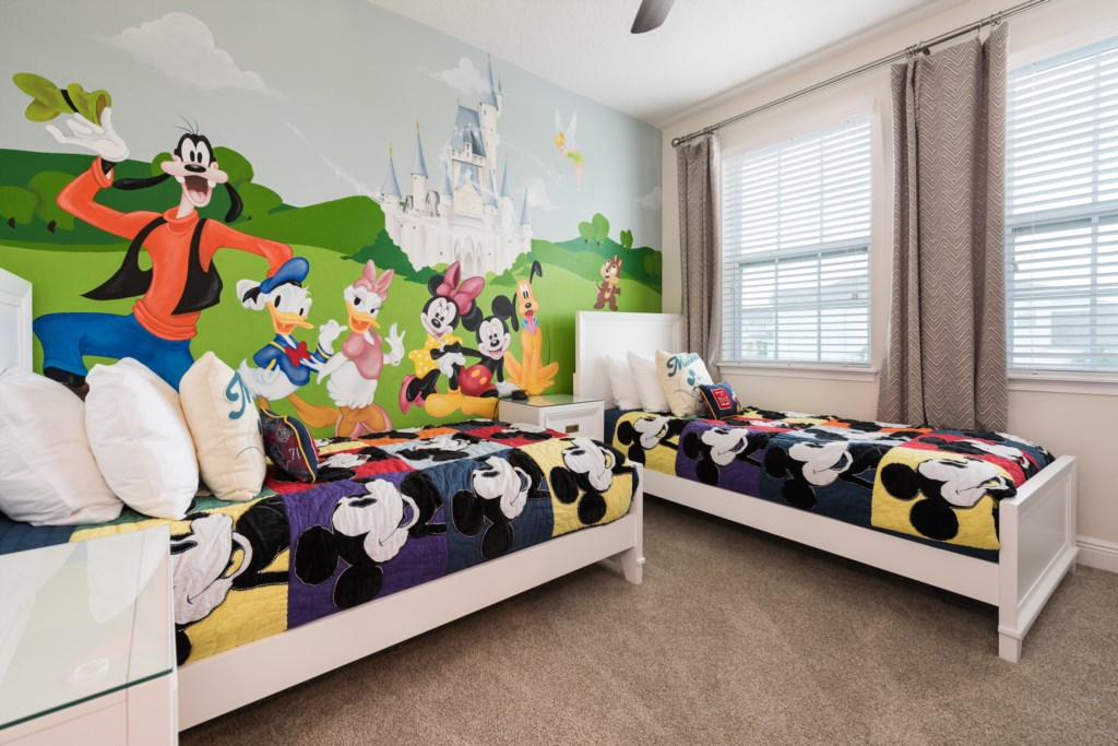 Mickey 1.jpg