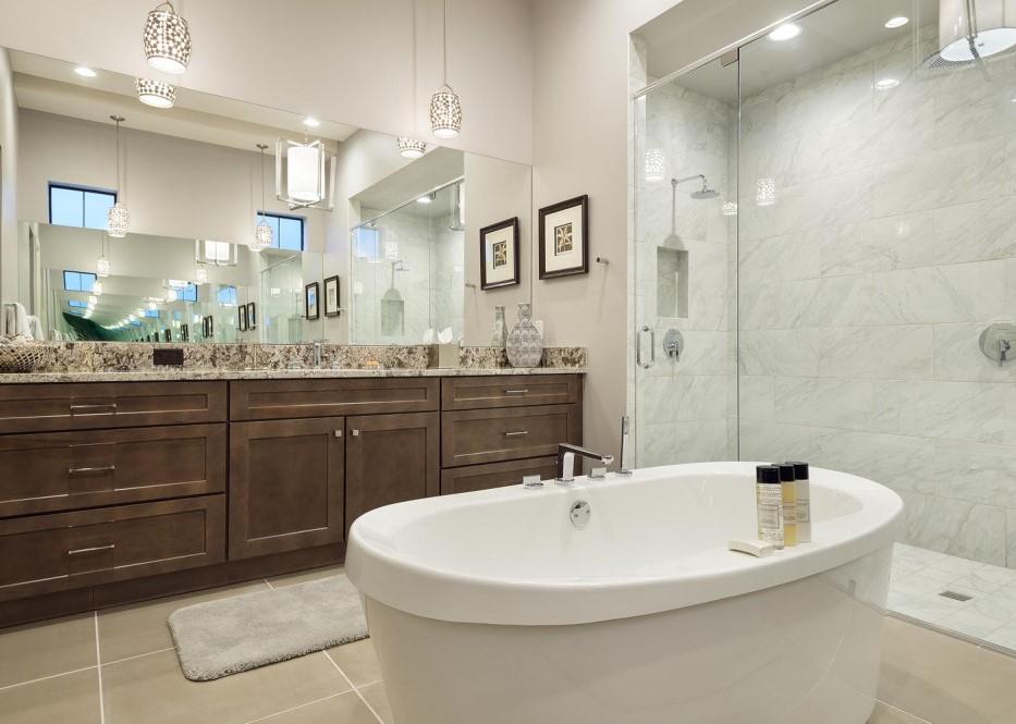 Bathroom 1-2.jpg