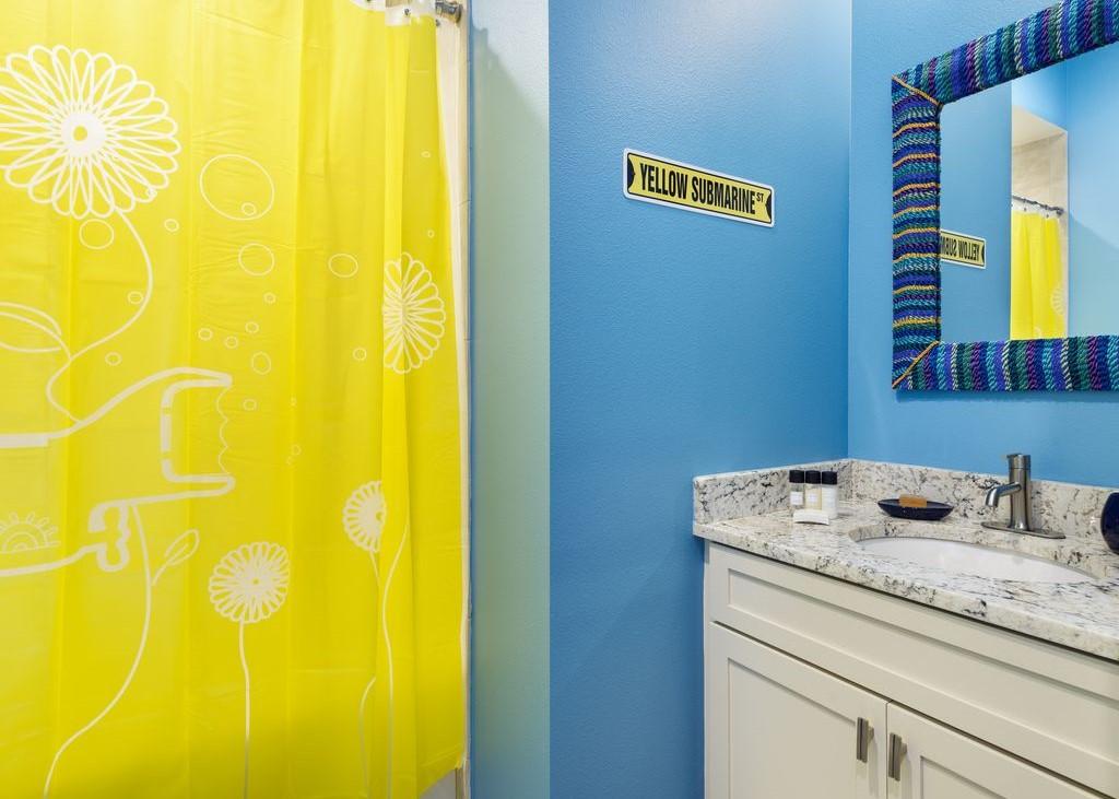 Bathroom 8-1.jpg