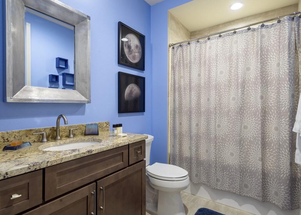 Bathroom 9-1.jpg