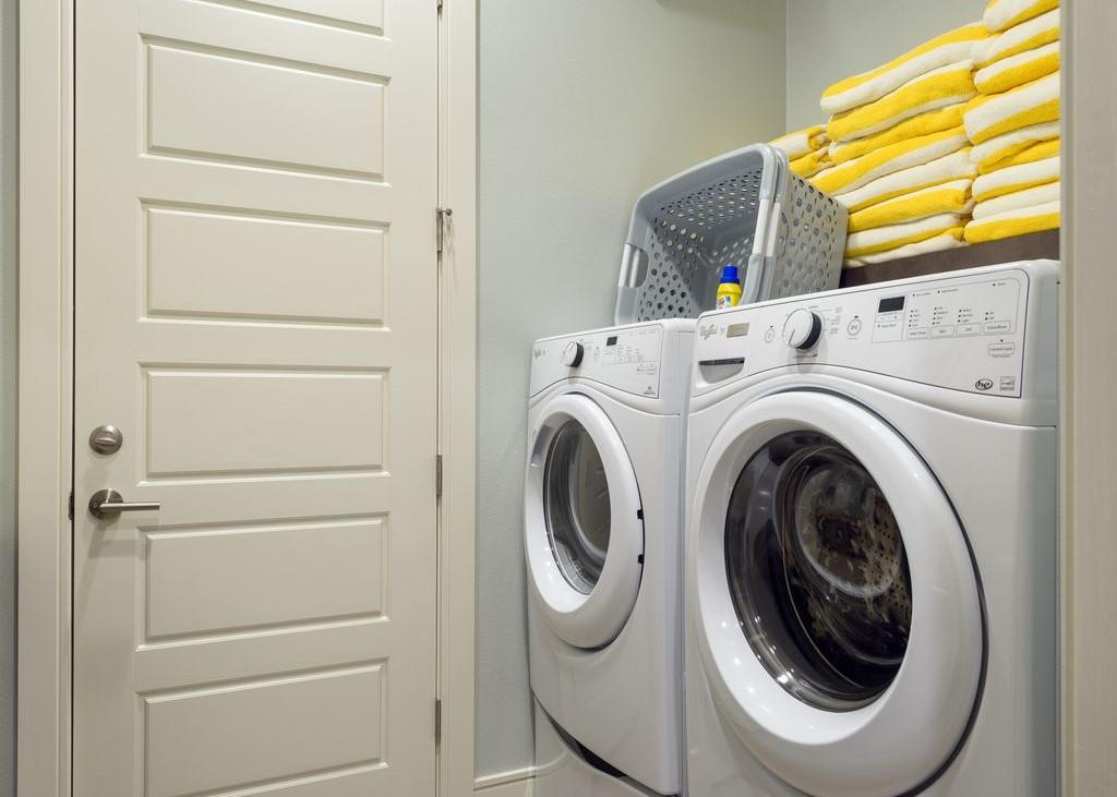 Laundry Dwn.jpg