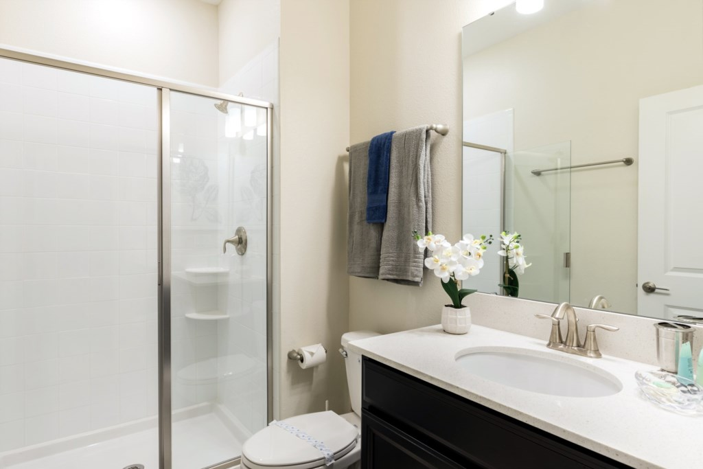 Bathroom 2.jpg