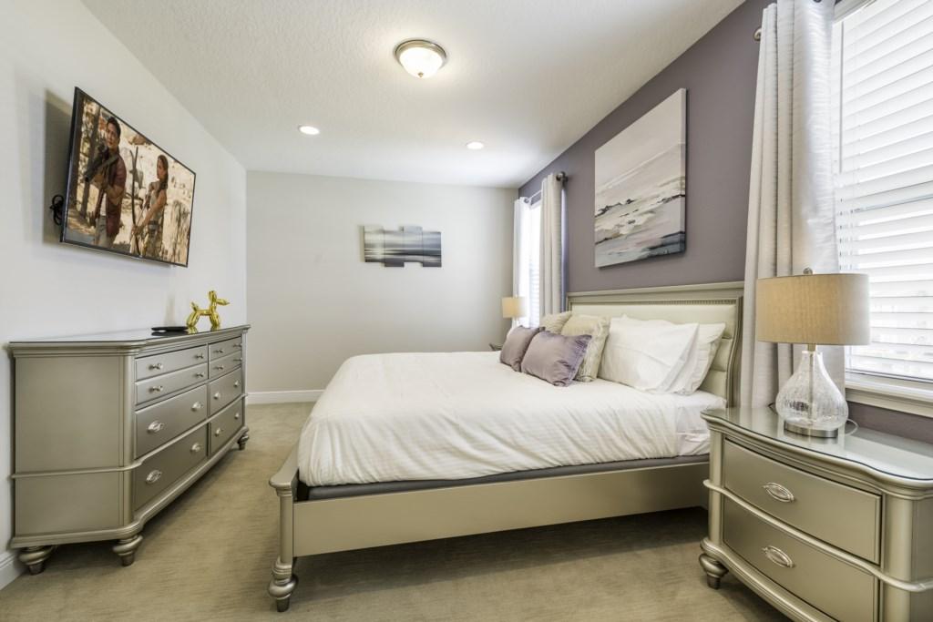 Master Bedroom 2-2-12.jpg