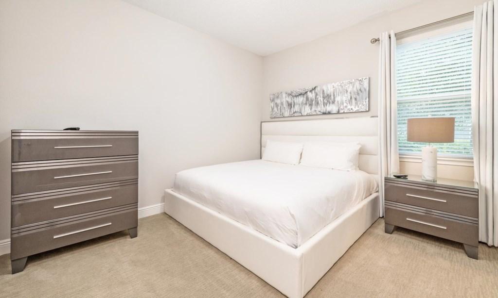 7640Fairfax bed3.jpeg
