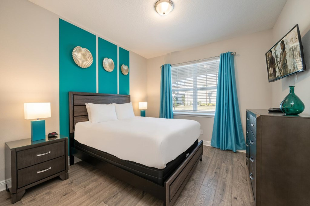 232 Auburn bed2.jpeg