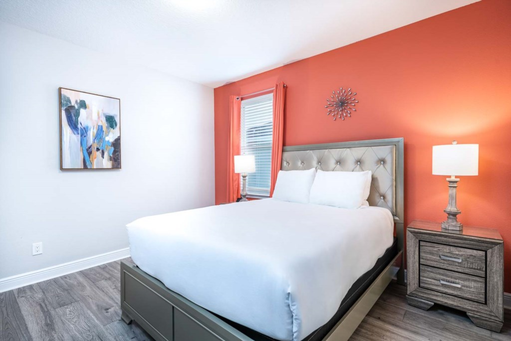 232 Auburn bed6-1.jpeg