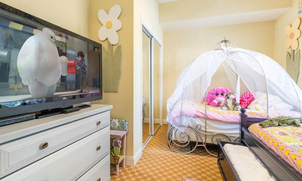 7414EXD bed2-1.jpeg
