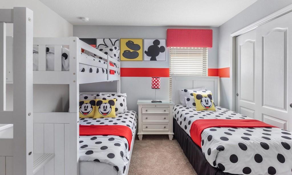 8874QNL bed2.jpeg