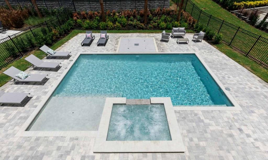7665FFD pool2.jpeg