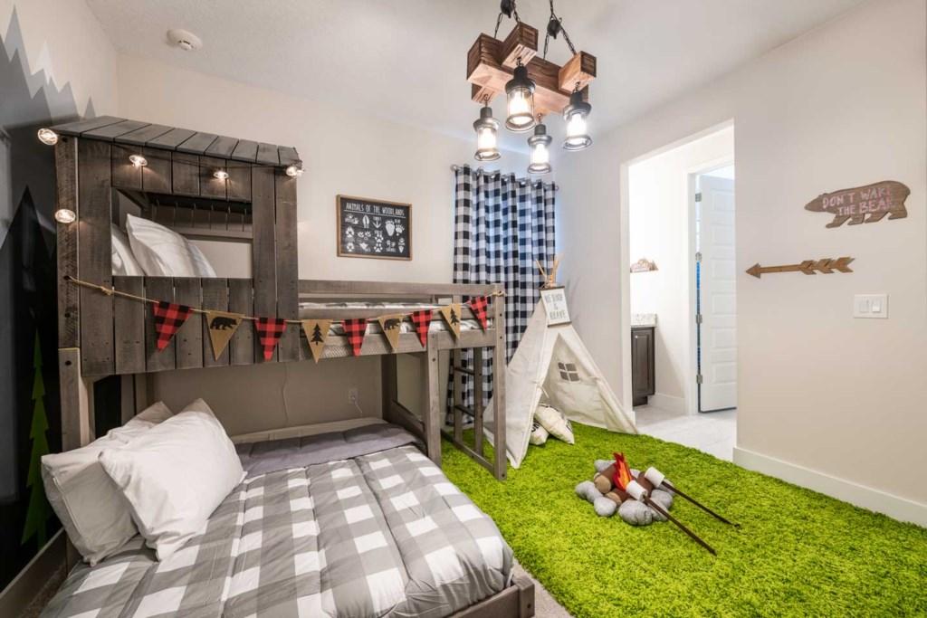 272 Auburn Avenue bed1-1.jpeg