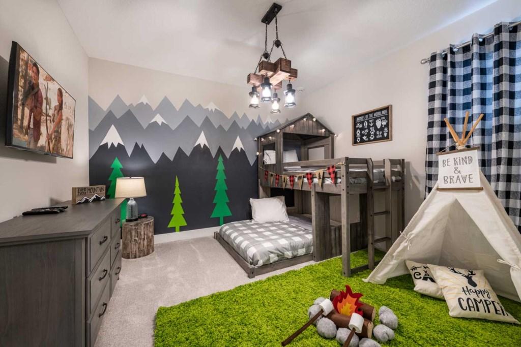 272 Auburn Avenue bed1.jpeg