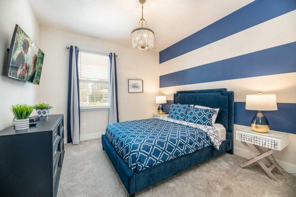 272 Auburn Avenue bed2.jpeg
