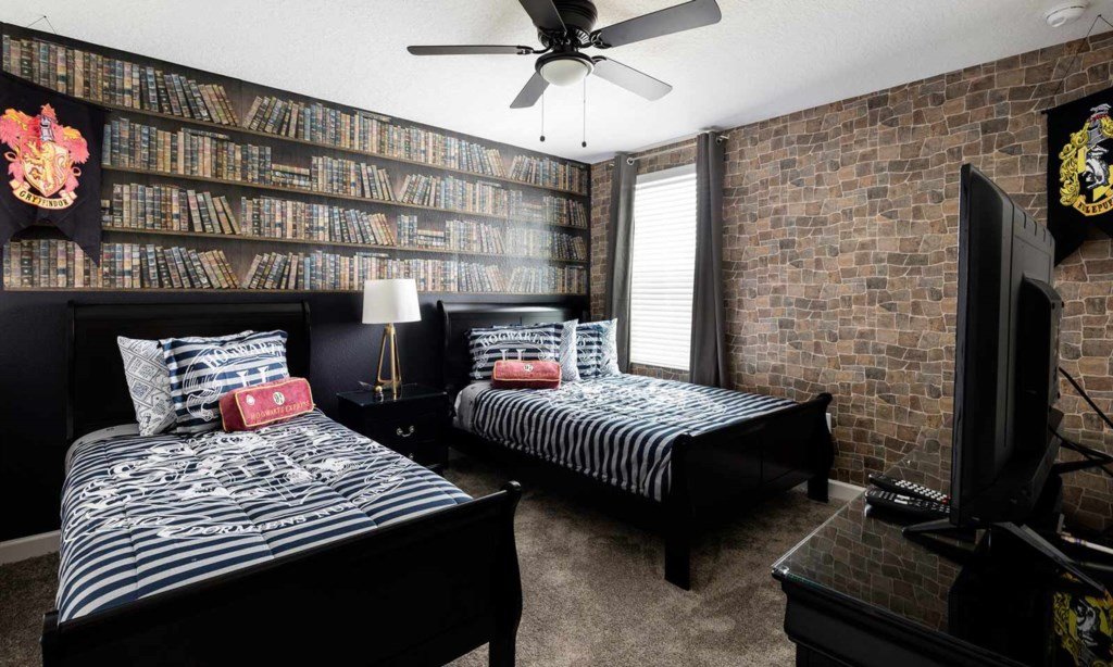 8807ILC bed1.jpeg