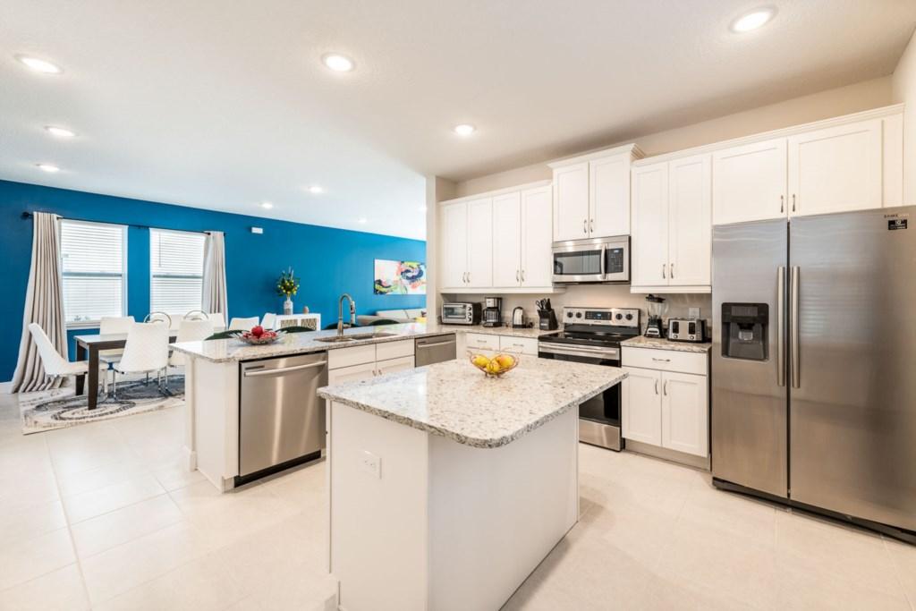 385SFS- Kitchen 2.jpeg