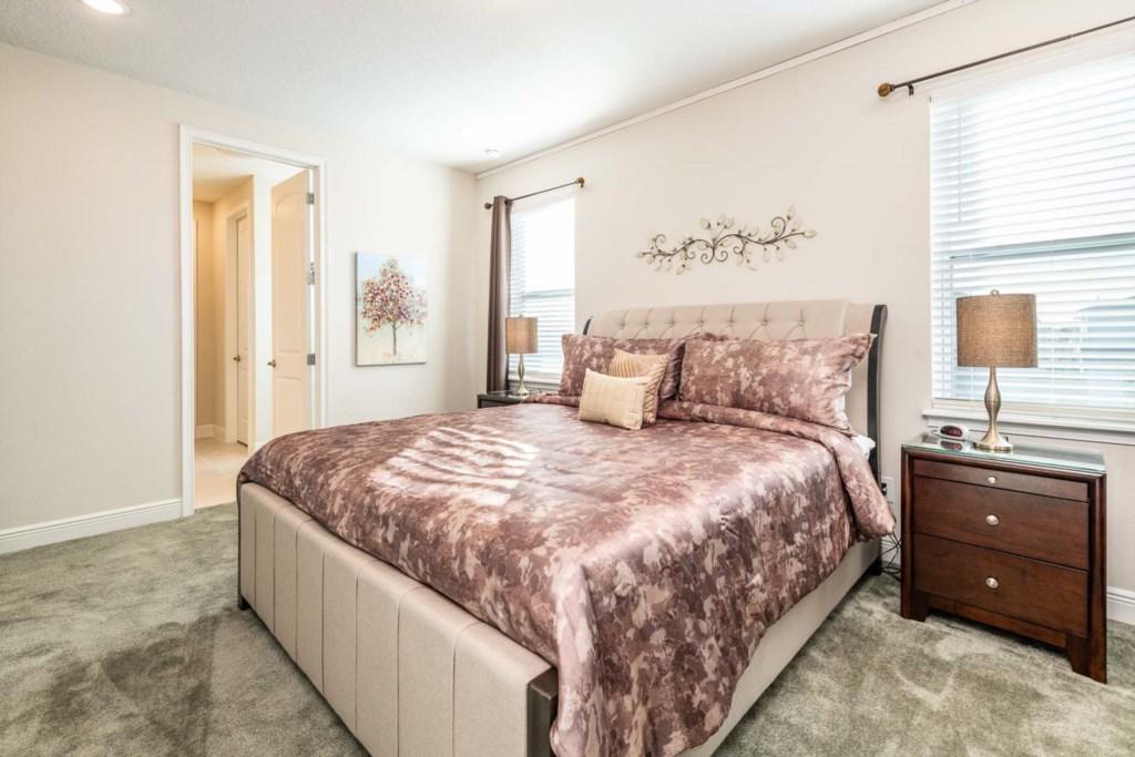 385 Southfield St bed6.jpeg