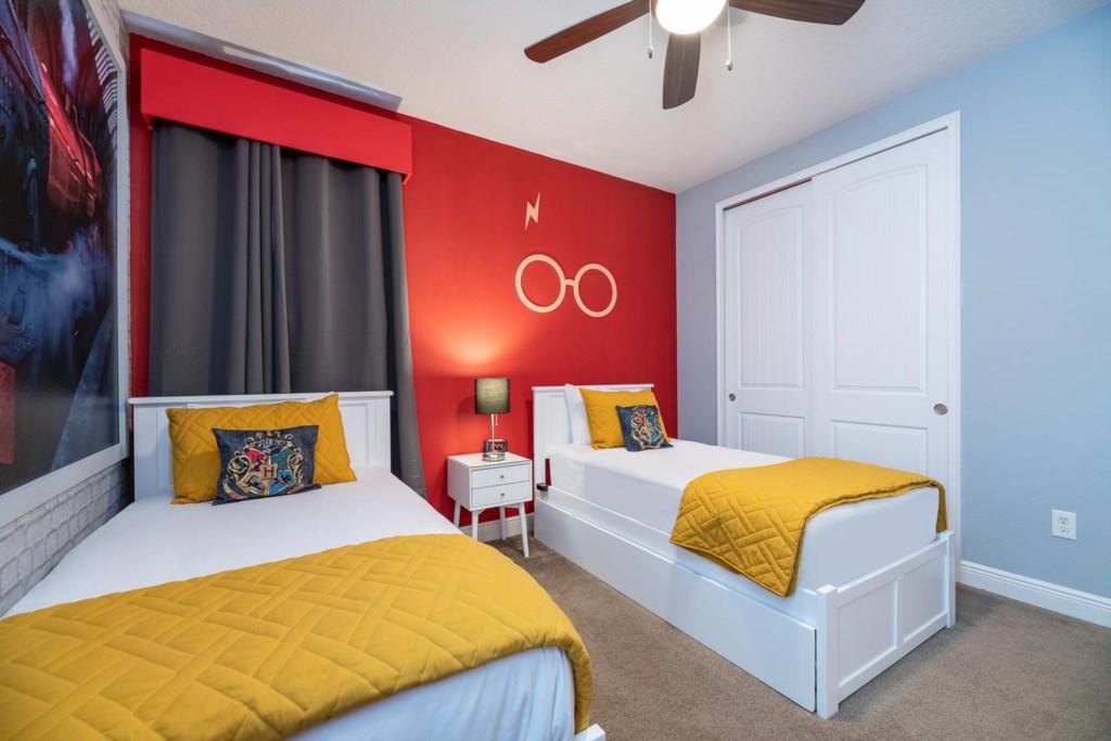 7693FFD bed1-3.jpeg