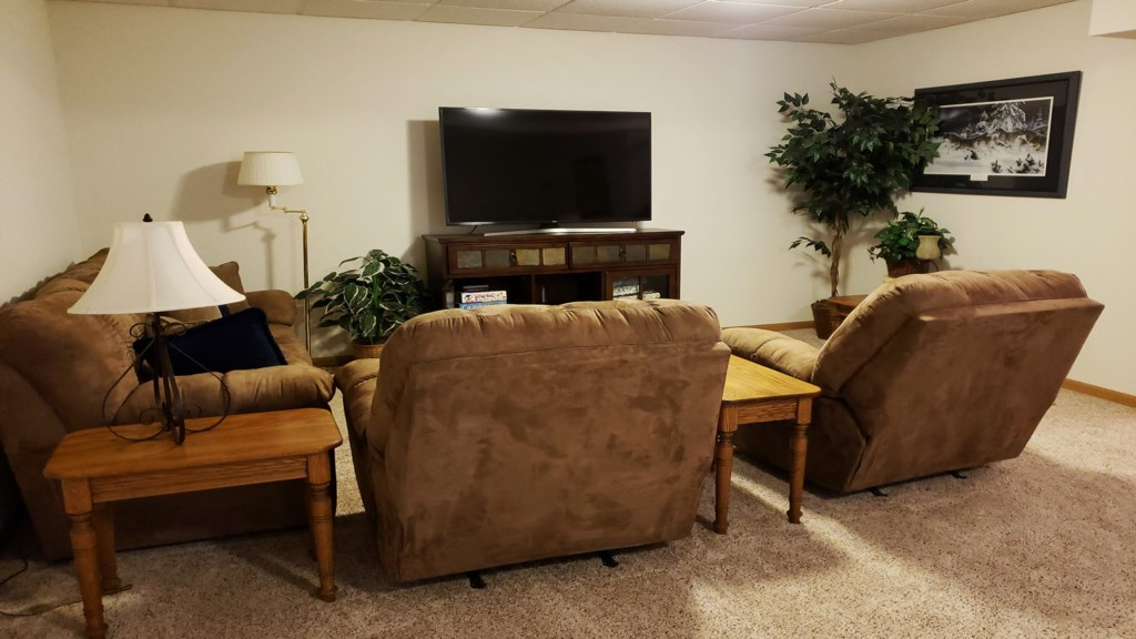 second-livingroom.jpg