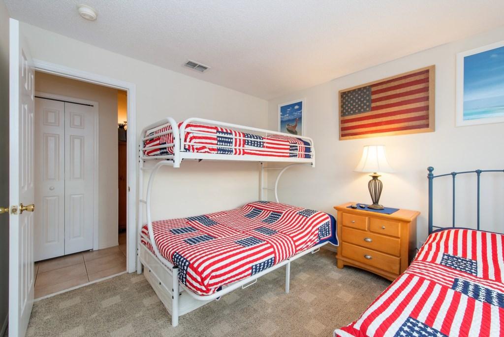 21.Bedroomthreesleepingfour