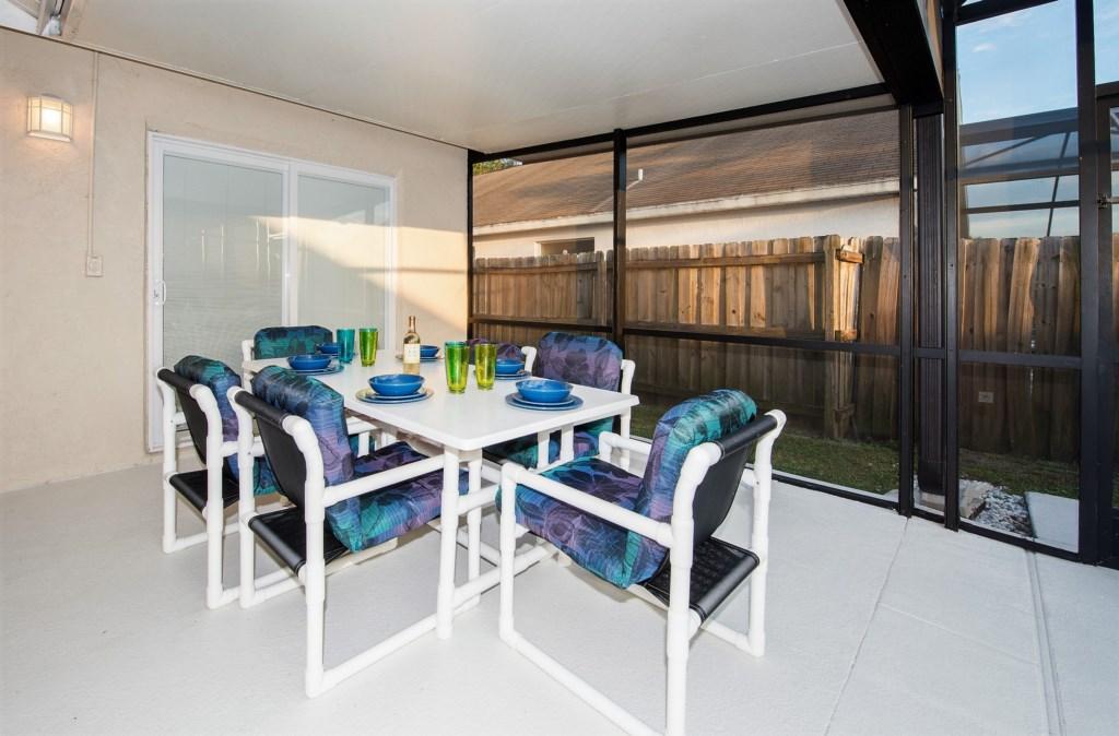 3. Orlando Villa with lanai.jpg
