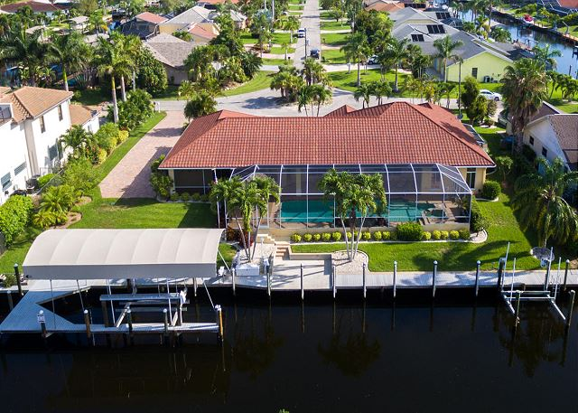 Waterfront with easy Gulf Access!!