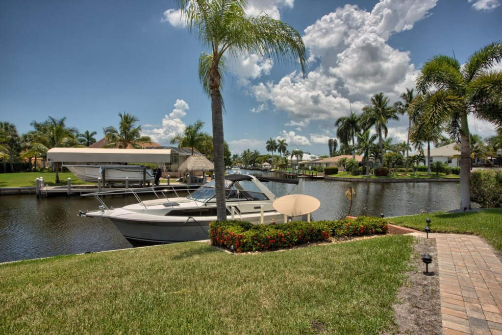 5646 Riverside Dr Cape Coral-large-020-Dock Canal-1498x1000-72dpi.jpg