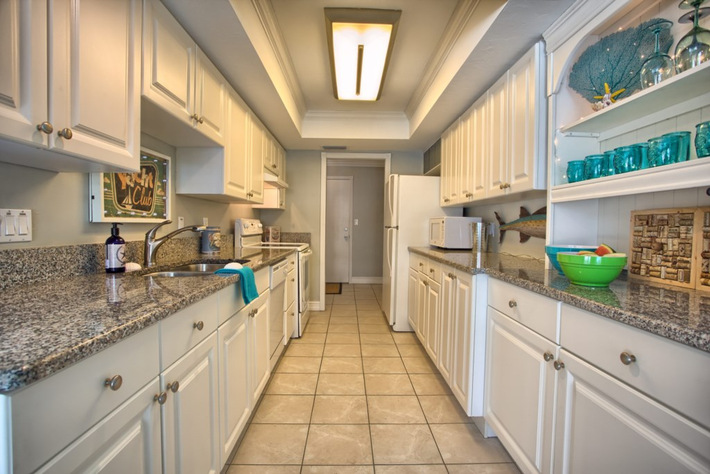 5646RiversideDrCapeCoral-print-009-Kitchen-4200x2804-300dpi
