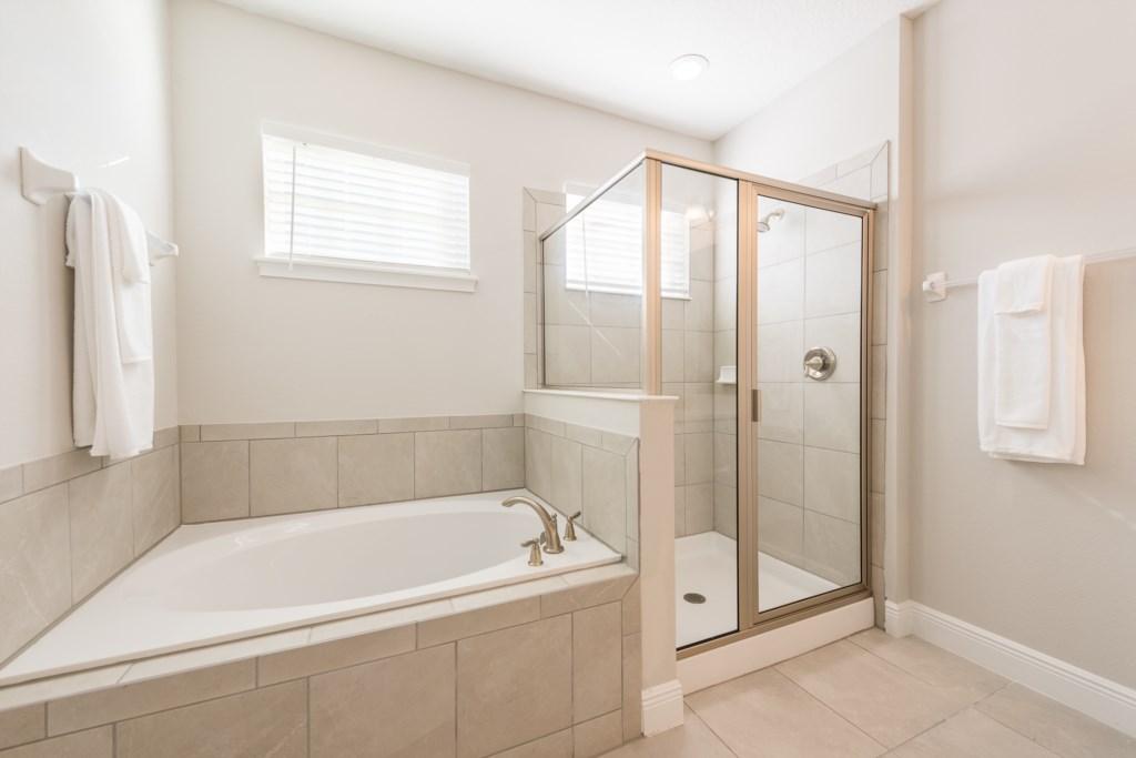 Master Bath 1-1.jpg