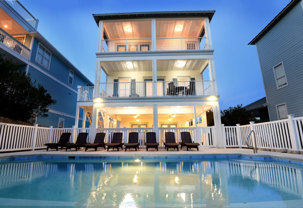 Experience the romance of Destin Florida at this Tranquil home