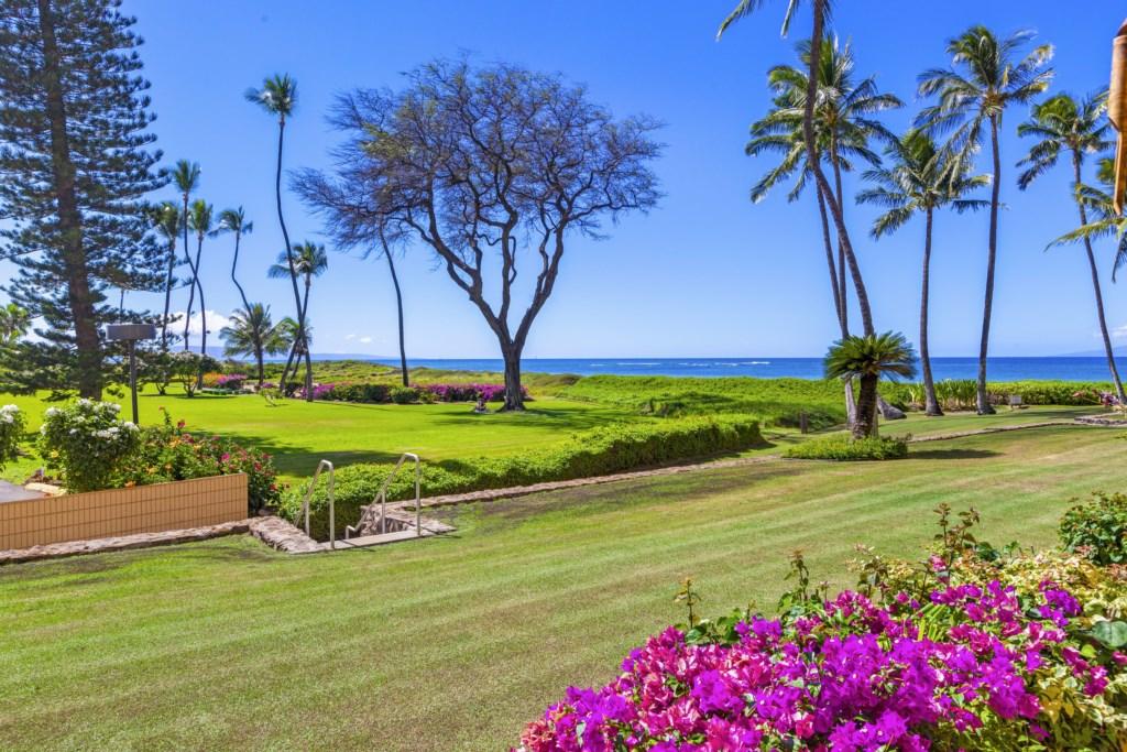 Upgraded Beachfront Luxury Menehune Shores 125