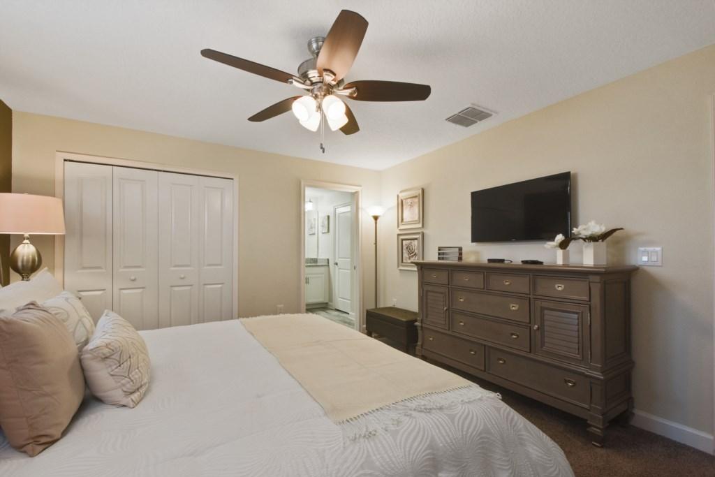 13_bedroom1